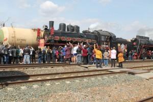 Учащиеся встретили ретро-состав «Поезд Победы»