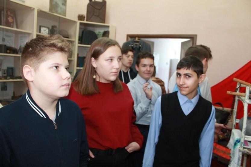 Экскурсия в школьный музей «Исток»
